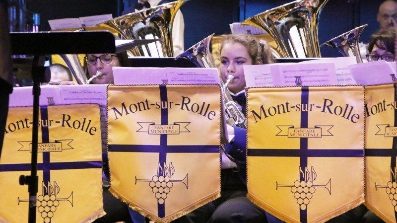 La fanfare de Mont-sur-Rolle attend de faire sauter le bouchon