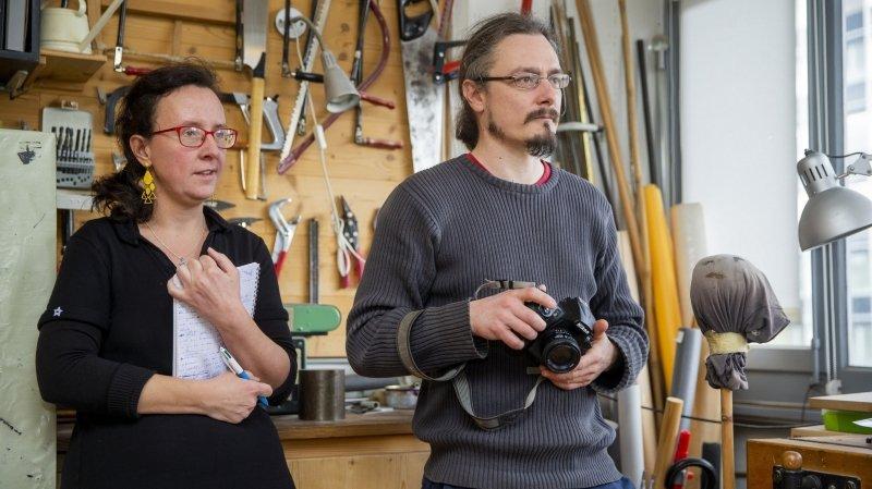 Alexis Voelin (photographe) et Cécile Gavlak (journaliste) réalisent des reportages en immersion sur les routes de Suisse et de France.