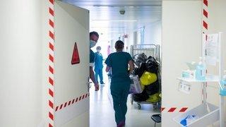 Vaud: des soignants critiquent la prime Covid-19