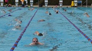 Plongeons, traversées et surtout des sourires à gogo à la piscine de Nyon