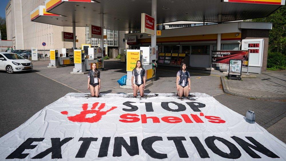 Les activistes du climat ne sont plus les seuls à inciter les géants du pétrole à changer de cap.