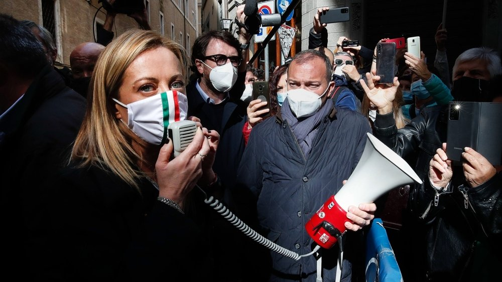 Giorgia Meloni s'était jointe à une  manifestation contre les mesures mises en œuvre pour arrêter la propagation de la pandémie de coronavirus, à Rome  le 29 octobre 2020.