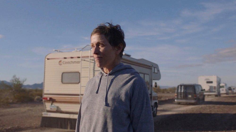 Fern a quitté une ville fantôme pour survivre dans une camionnette…