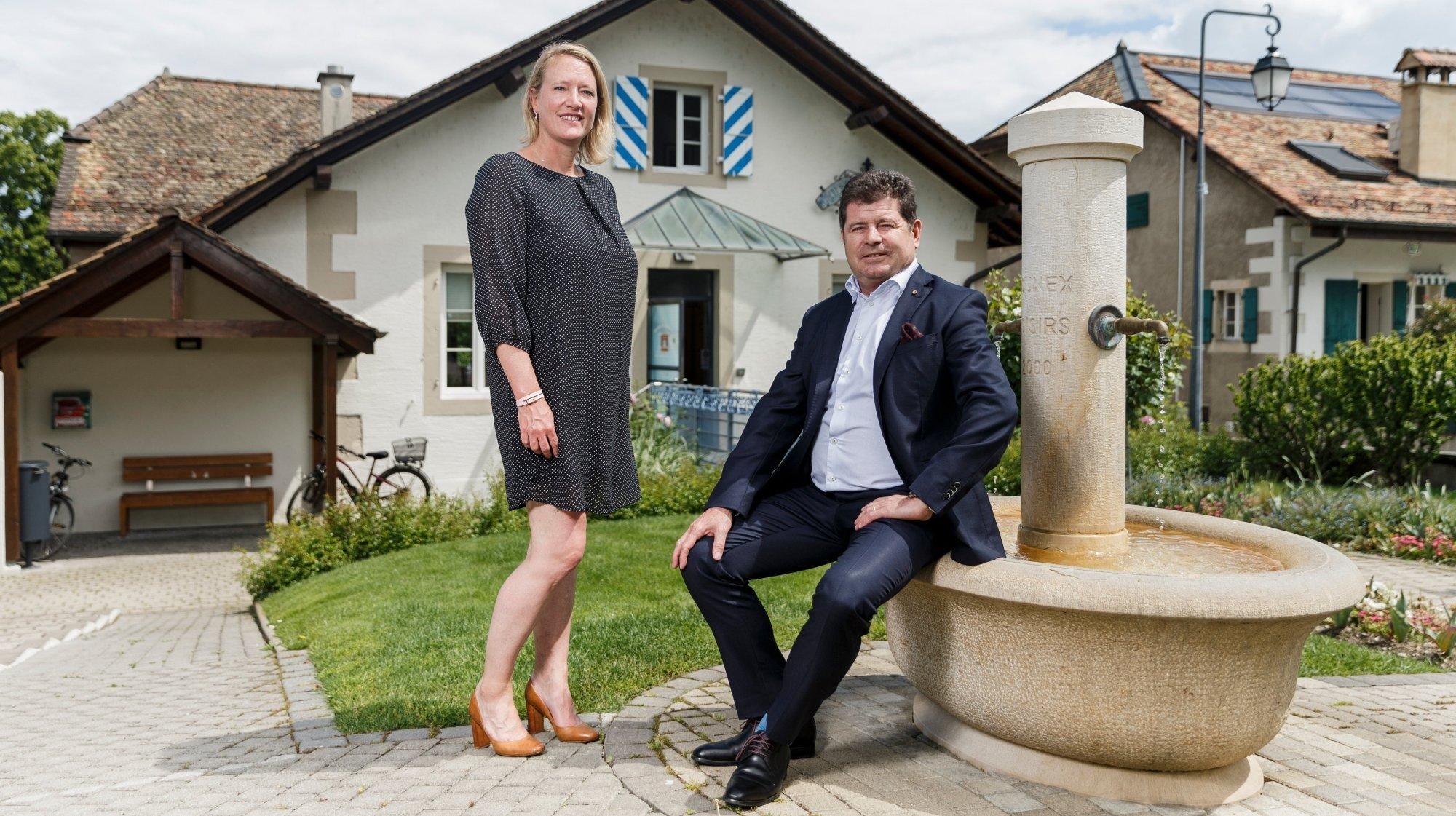 Faisant parti du même groupe politique, Lucie Kunz-Harris et François Debluë préparent une passation de pouvoir paisible.