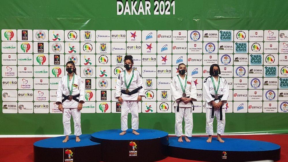 La médaille d'argent obtenue à Dakar constitue la meilleure performance jamais réalisée par Priscilla Morand (à g.) aux Championnats d'Afrique.