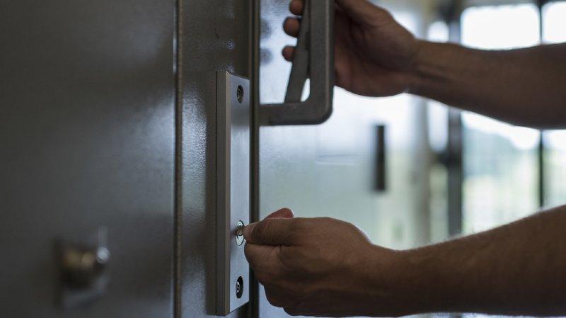 Violence, agressions, drogue: pour quels motifs sont jugés les mineurs en Suisse?