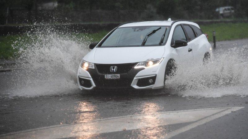 Intempéries: routes et caves inondées dans le nord-est de la Suisse