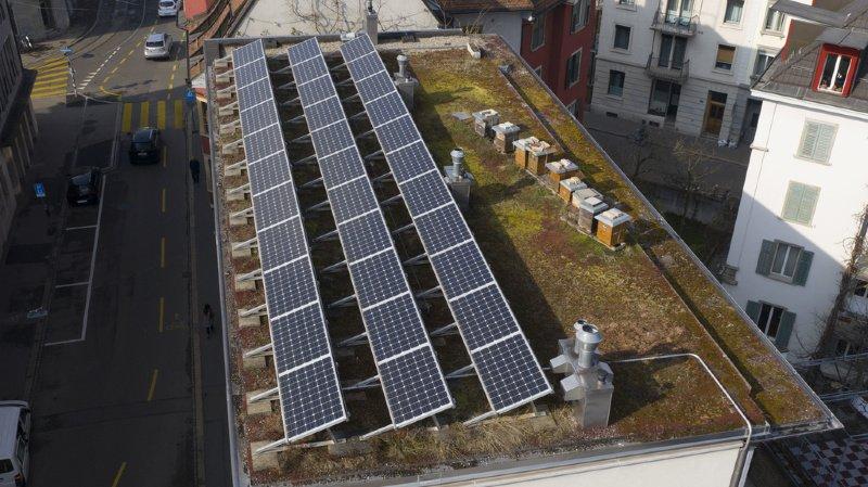 La Suisse est à la traîne pour l'énergie solaire et éolienne