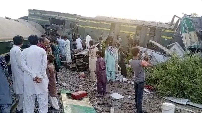 Au moins 40 morts dans un accident de train au Pakistan