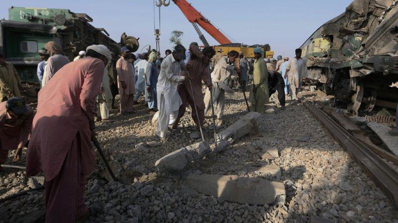 Pakistan: le bilan du double accident ferroviaire passe à 63 morts