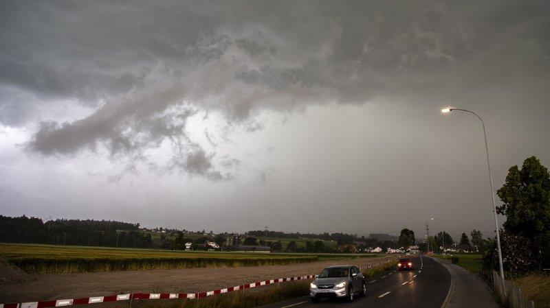 Météo: de violents orages et de la grêle s'abattent sur la Suisse romande
