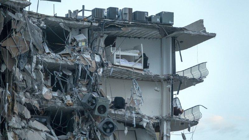 Etats-Unis: un immeuble s'effondre soudainement à Miami, au moins un mort