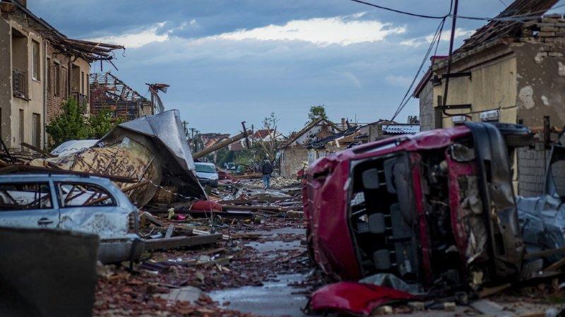 Tornade en République tchèque: au moins 3 morts et plus de 100 blessés