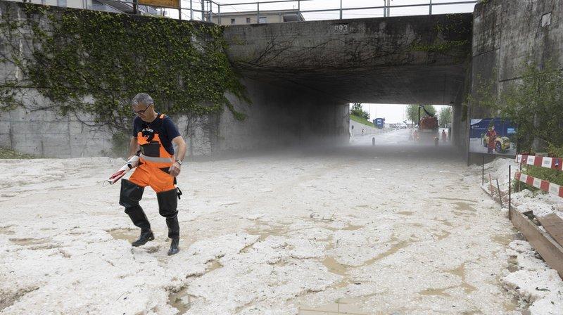 Les orages de lundi soir en Suisse ont fait un mort, plusieurs blessés et de gros dégâts