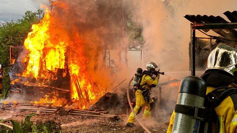 De nombreux appels pour un hangar en feu à Onex
