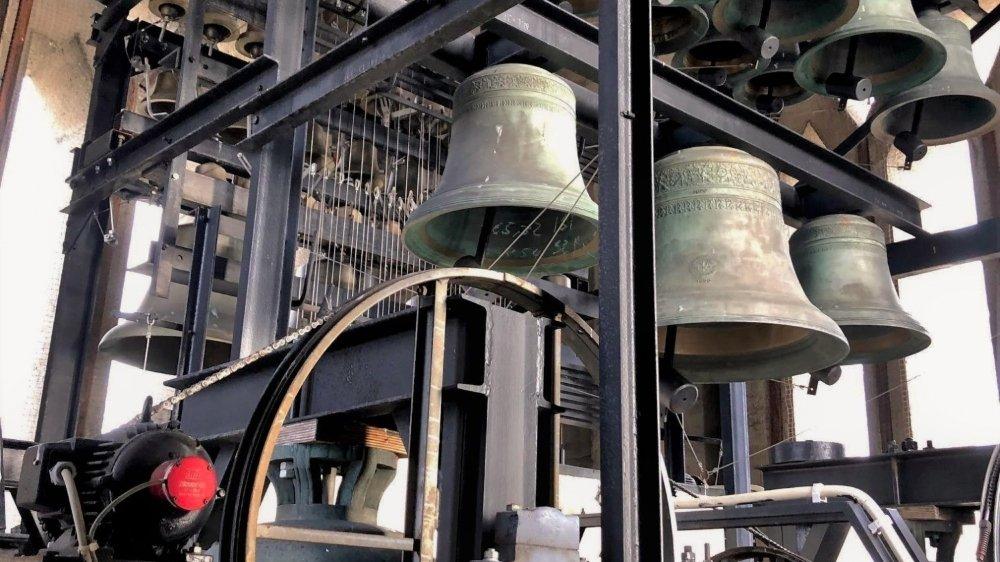 Le clocher de l'église de Pully Rosiaz, inauguré en 1957, a été agrandi en 2011 de cinq nouvelles cloches. Il en compte à ce jour 48. Le carillonneur Daniel Thomas les actionnera dimanche, lors d'un concert sur le thème de la Suisse.