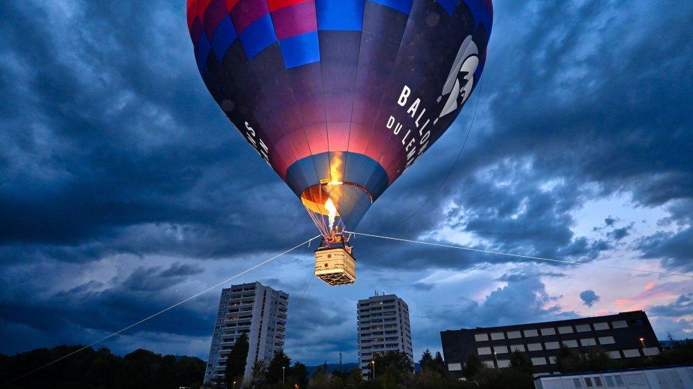 Après les montgolfières dans le ciel de Gland l'an dernier, la deuxième ville du district tentera encore une nouveauté en projetant des vidéos sur un ballon blanc hissé à 100 mètres au-dessus du sol.