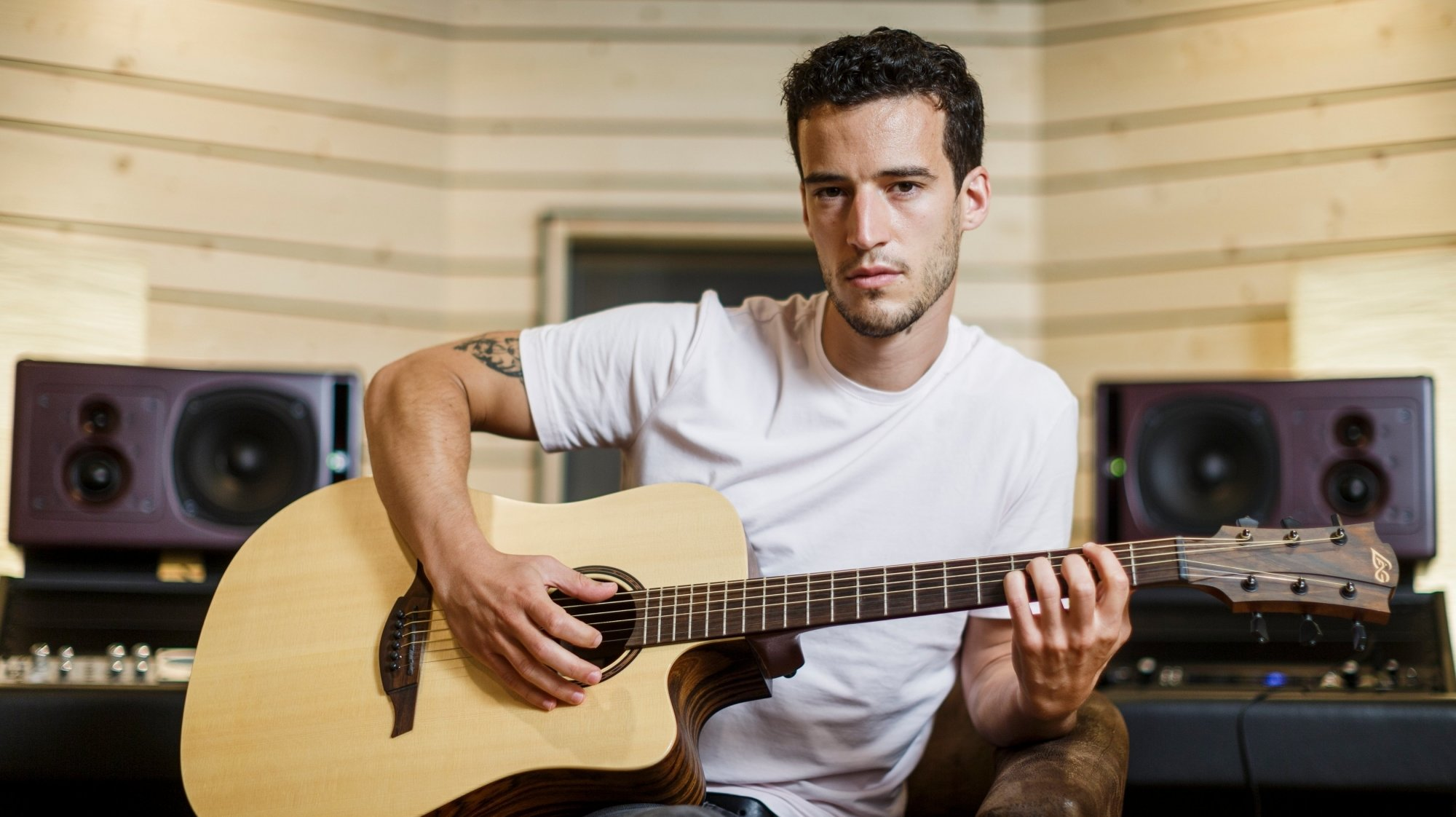 """Sylvain Jargy, musicien professionnel et ingénieur du son, a aménagé un studio d'enregistrement professionnel baptisé """"On R Studio"""" à Rolle."""