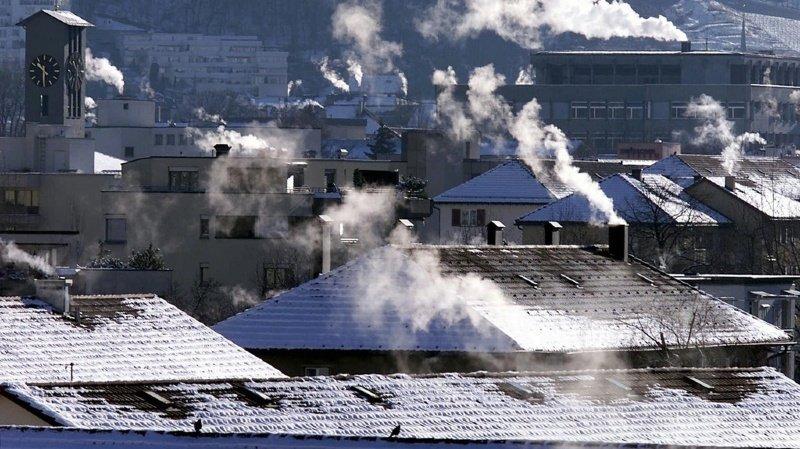 Climat: recul trop léger des émissions de CO2, hausse de la taxe en vue