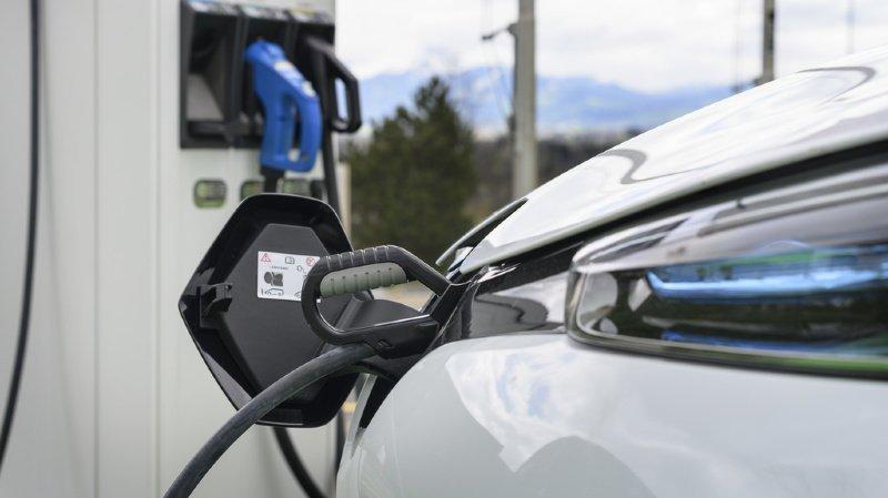 Voiture électrique: plus de deux tiers des Suisses veulent réduire les émissions de CO2