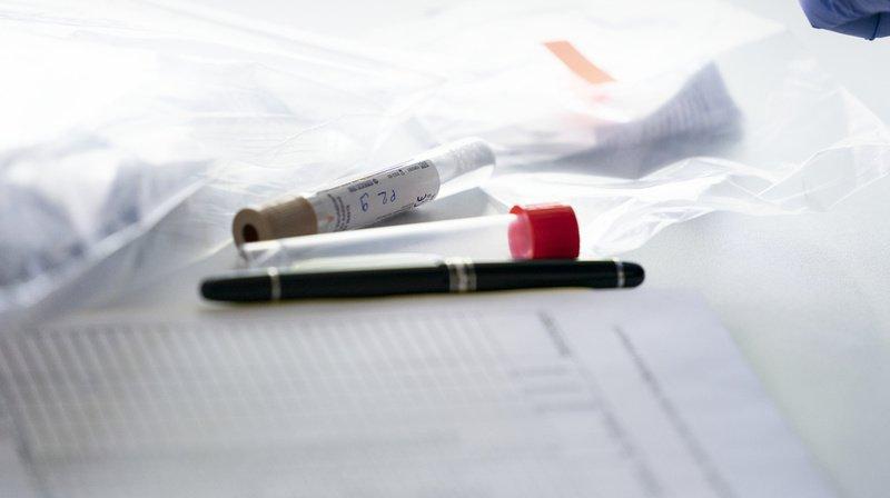 Coronavirus: tests réguliers ou vaccins pour le personnel soignant, à Genève, c'est officiel