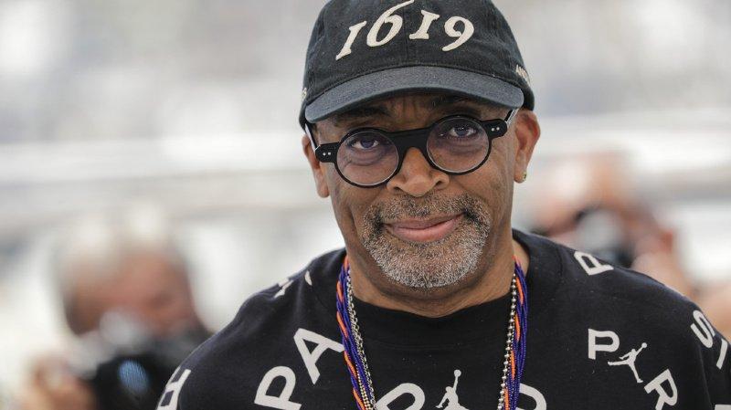 La casquette de Spike Lee fait référence à l'année d'arrivée des premiers esclaves aux Etats-Unis.