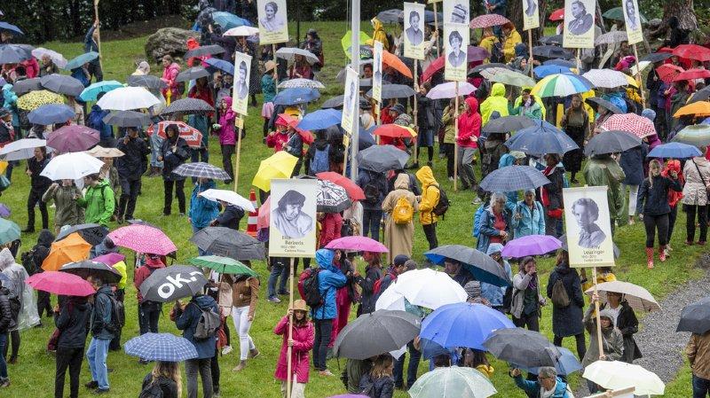 La fête fédérale sur le Grütli a été marquée par les 50 ans du suffrage féminin.