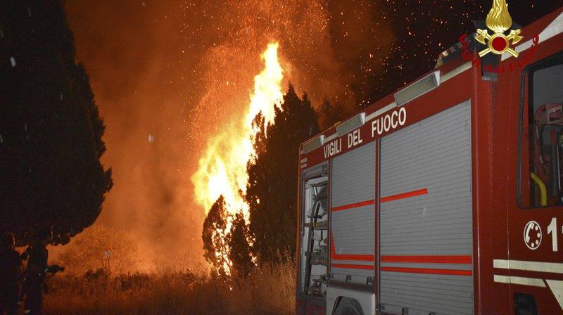 Pic de chaleur en Italie: les pompiers face à plus de 500 incendies, 4 morts