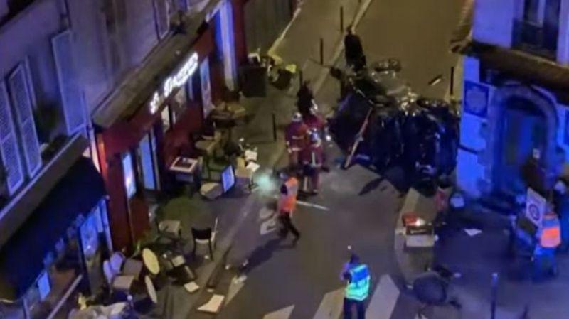 La voiture en cause, dont le conducteur semble avoir perdu le contrôle, a fait un tonneau avant de percuter la porte du bar aux Sports.