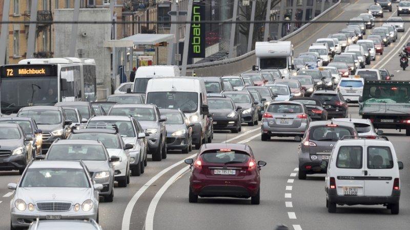 Circulation en Suisse: 2 fois plus de voitures, 5 fois moins de morts