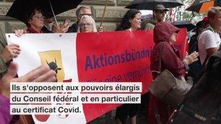 Les opposants à la loi Covid-19 remettent leur deuxième référendum
