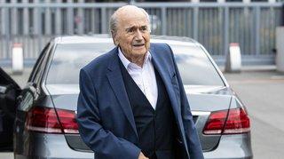 Affaire FIFA: les poursuites contre Sepp Blatter partiellement abandonnées