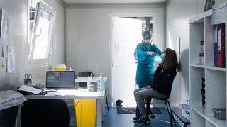 Coronavirus: l'OFSP veut des tests obligatoires pour le personnel soignant non vacciné