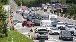 Trafic: plus de deux heures d'attente au Gothard pour le retour des vacances