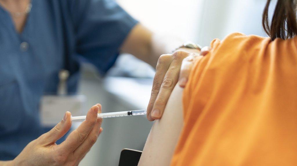 En Suisse, les personnes de 12 ans et plus peuvent se faire vacciner contre le coronavirus.
