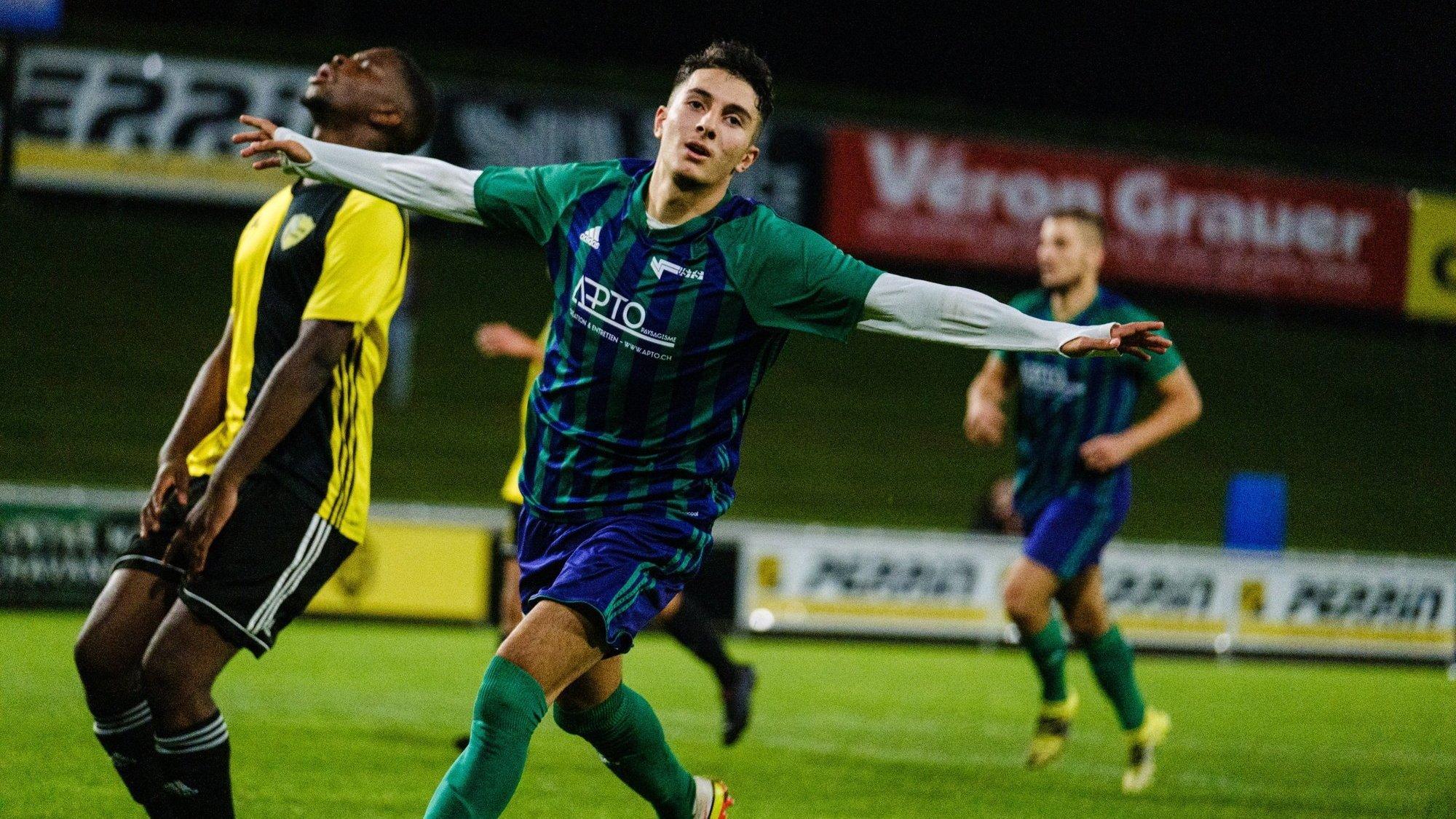 "L'attaquant de Terre Sainte II Günay Cirak a inscrit un joli triplé face à la ""deux"" du Stade Nyonnais."