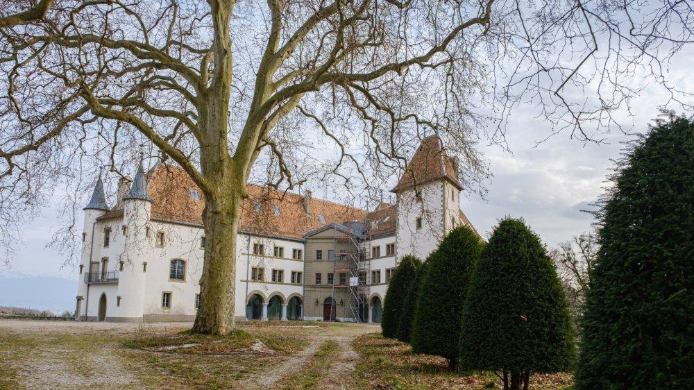 Le château d'Allaman est le théâtre d'une sacrée affaire.