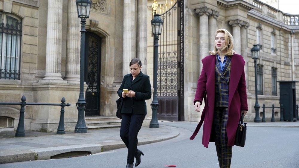 France (Léa Seydoux), un personnage en détresse, à l'image d'un monde en perte de sens.