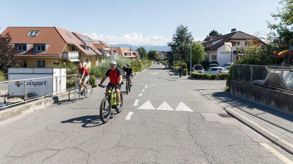 A la rue de la Gare à Gland, les cyclistes pourraient un jour avoir la priorité sur les voitures.