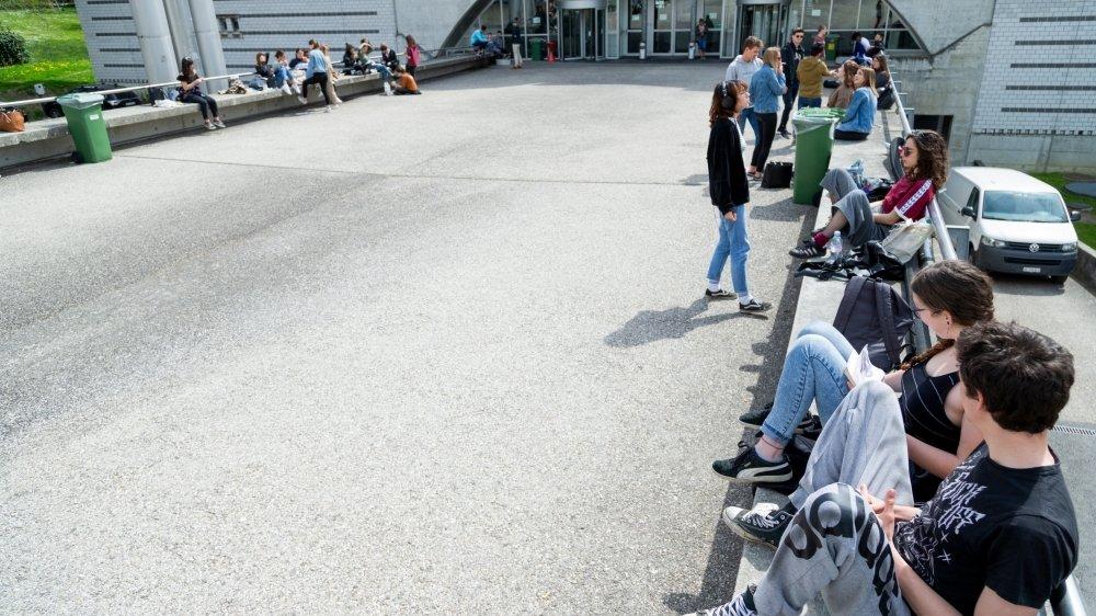 Cette rentrée, environ 150 adolescents admissibles à Nyon ont dû être enclassés hors du district.