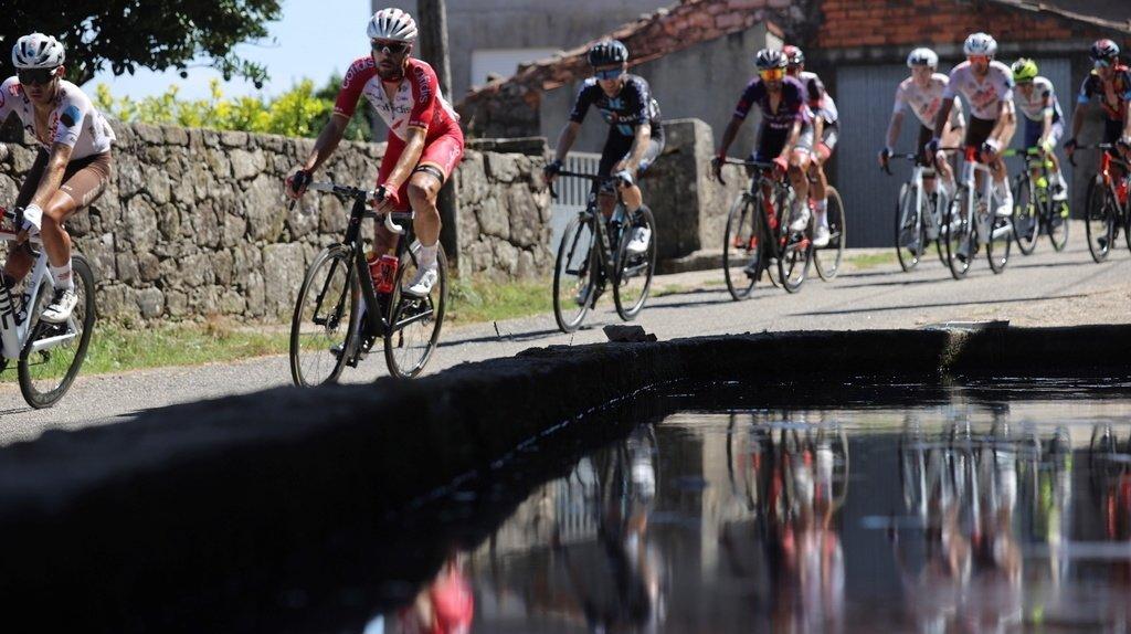 Cyclisme – Tour d'Espagne: le Français Clément Champoussin vainqueur, Primoz Roglic assure