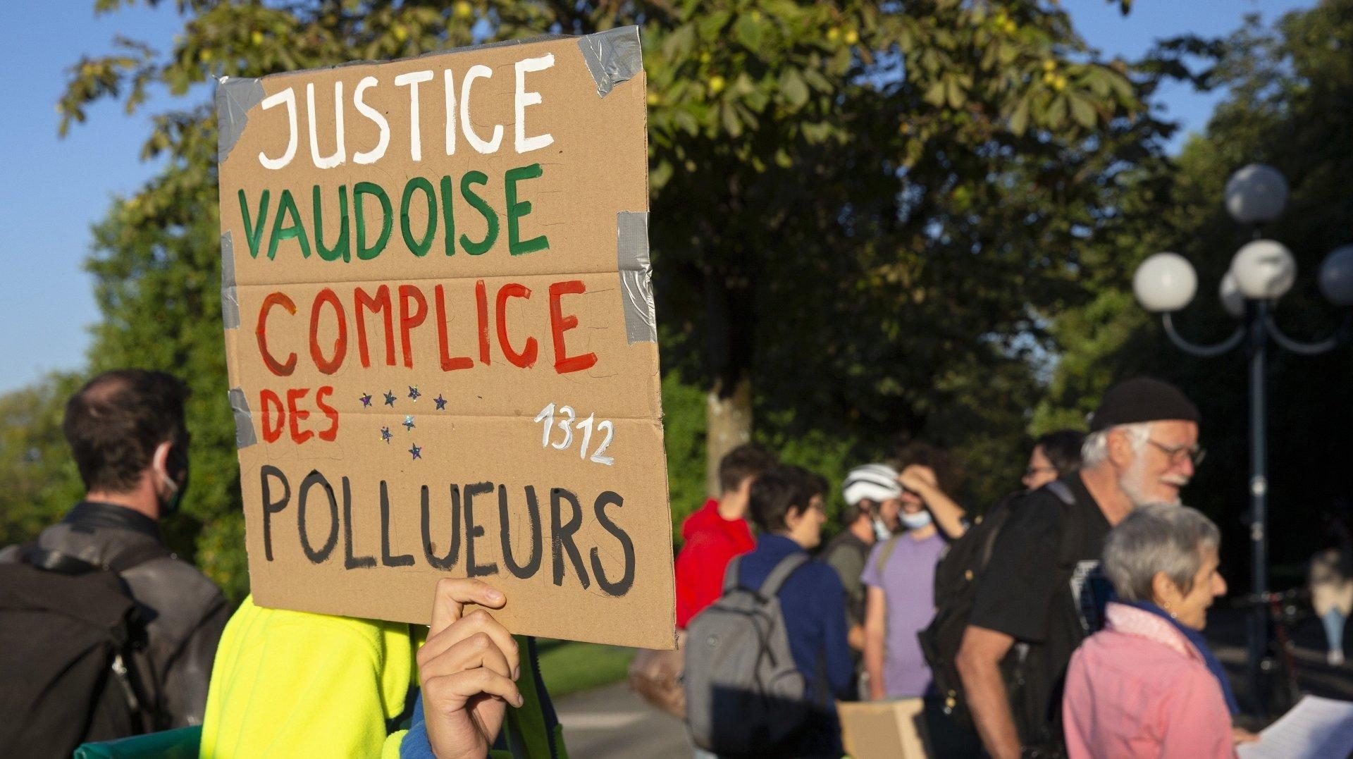 Premier d'une longue série de «mini-procès» climat à Lausanne