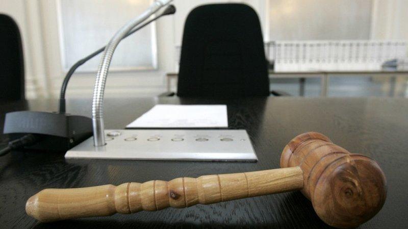 Prison à vie requise contre le prévenu de l'homicide de Cheyres (FR)