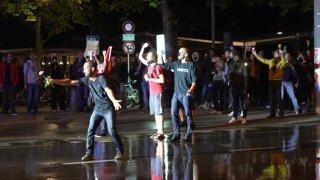Berne: la police utilise un canon à eau contre des manifestants