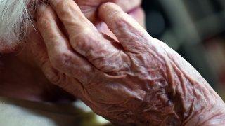 Maladie d'Alzheimer: 146'500 personnes sont atteintes de démence en Suisse