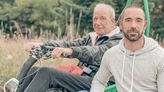 Nyon: il courra une course à obstacles avec son père en fauteuil roulant