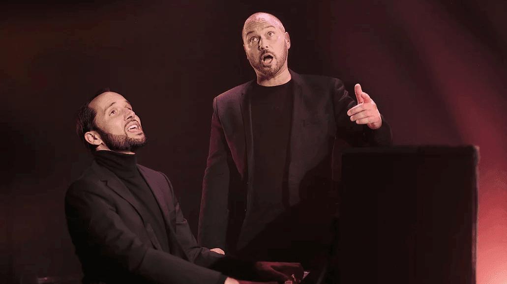 Sous la forme d'un théâtre musical, Mario Pacchioli et Laurent Brunetti rendent un hommage original et émouvant à Brel et Barbara, les deux géants de la chanson que des liens d'amitié unissaient.