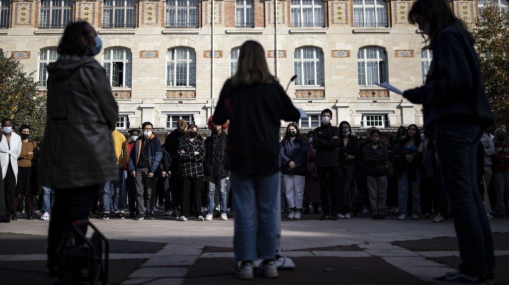 France: hommages à Samuel Paty dans sa ville, son collège et à l'Elysée