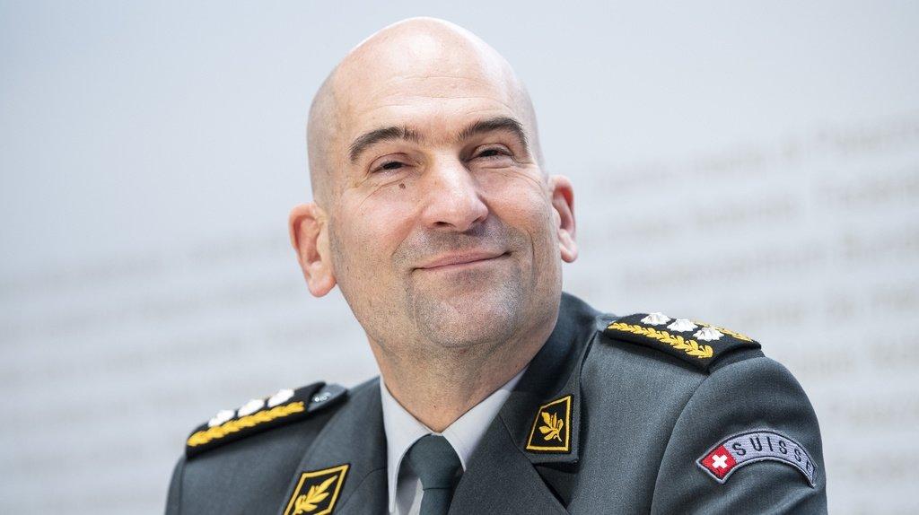 Budget informatique dépassé: le chef de l'armée admet des erreurs dans les coûts