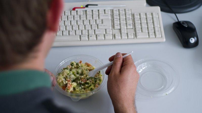 Vie au travail: une pause de 30 minutes et un repas pour 15 francs